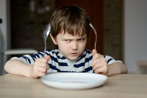Waarom moeten we kinderen nooit dwingen om te eten?