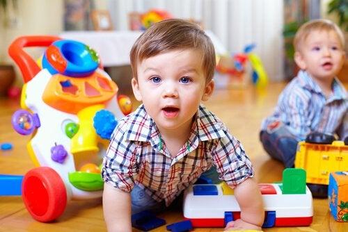 Hoe kun je de motoriek van je baby stimuleren?