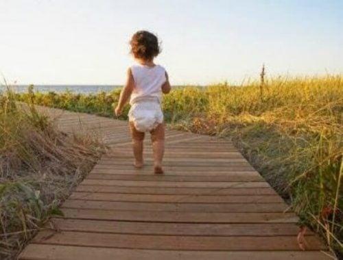3 oefeningen om je baby te leren lopen