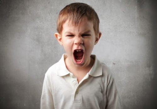 8 Sleutels om met een boos kind te praten