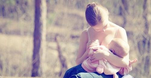 Gewicht verliezen na de zwangerschap door borstvoeding