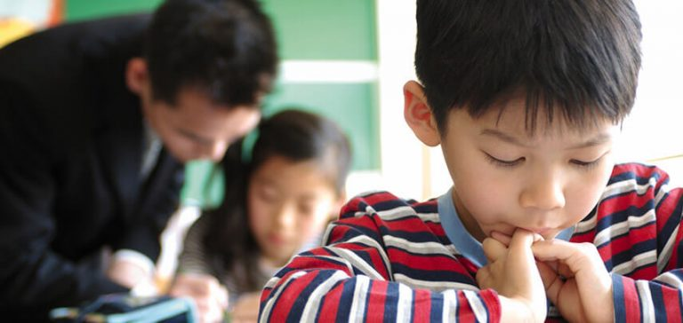 Japanse opvoedtechnieken, kindjes op school