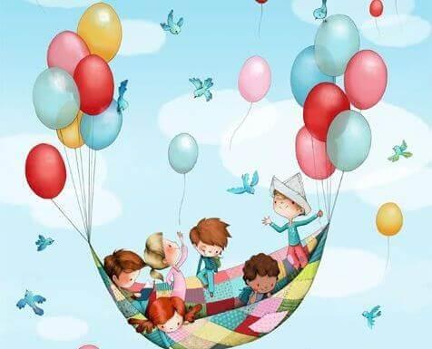 Kinderen met ballonnen