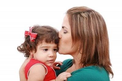 Moeder toont genegenheid