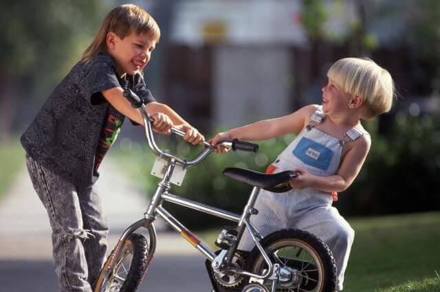 Ontdek wat je kunt doen als je kind wordt geslagen