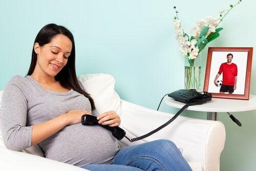 6 dingen die je baby gelukkig maken voor de geboorte zoals communicatie