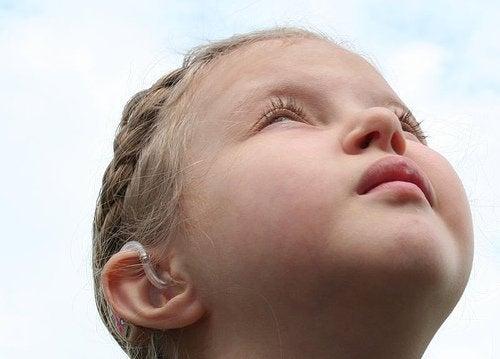Signalen van autisme bij kinderen ouder dan twee jaar