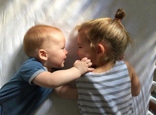 Neem je kind op in activiteiten die verband houden met een nieuw broertje of zusje