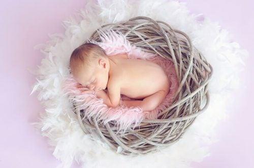 De slaapbehoeften van je baby tussen maand 4 en 6