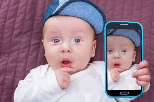 Wat ouders nooit zouden moeten posten op social media