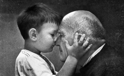 Grootouders gaan nooit dood - ze worden onzichtbaar