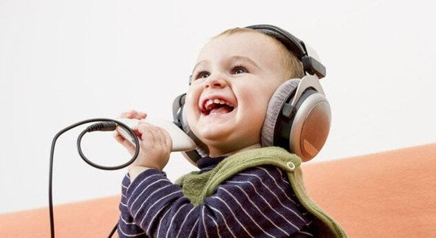 Muziek om de baby te laten lachen