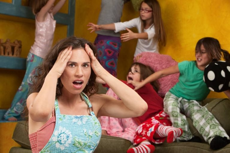 Waarom misdragen kinderen zich bij de moeder?