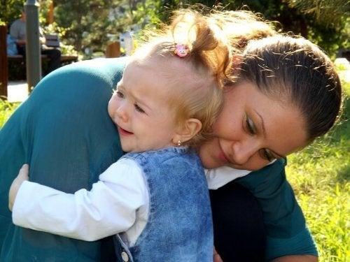 Waarom we baby's niet moeten laten huilen lees je hier