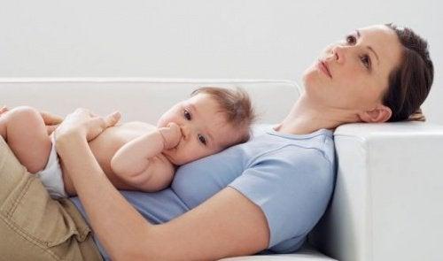 De slapeloze nachten na de komst van een pasgeboren baby