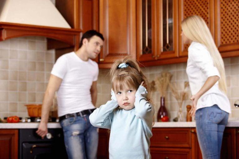 Een slecht humeur van ouders kan de emotionele ontwikkeling van kinderen beïnvloeden