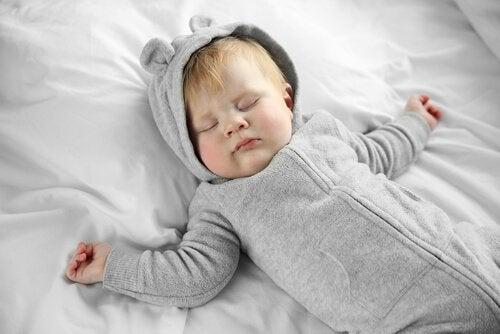 Baby die slaapt