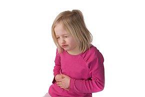 7 symptomen bij je kinderen die je niet mag negeren zoals buikpijn