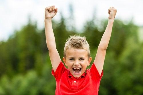De beste stimulerende woorden om kinderen te motiveren en zelfvertrouwen te geven