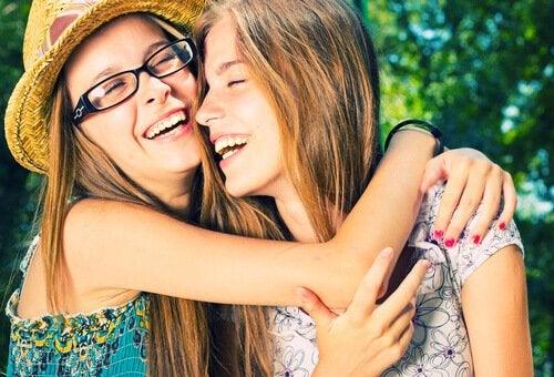 Communicatie tussen ouders en hun tiener is van vitaal belang tijdens de pubertijd
