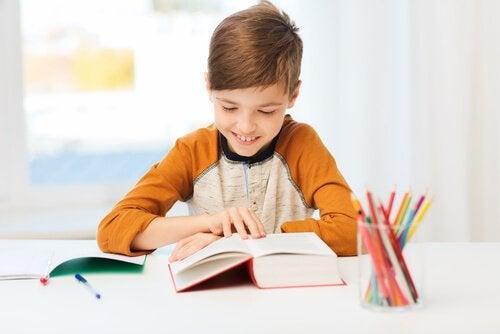 De beste stimulerende woorden om kinderen te motiveren