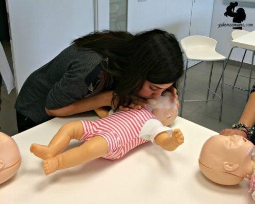 Belangrijk! Hoe red je het leven van je kind als deze plotseling stopt met ademen?