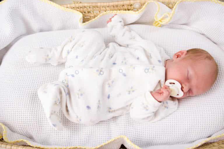 Tips om je baby veilig te laten slapen