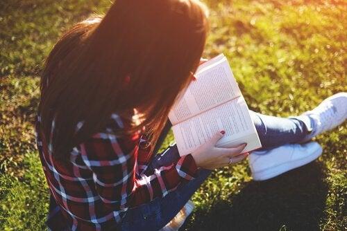Leesplezier met deze 8 beste boeken voor tieners