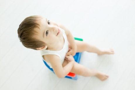 Hoe kan je de aarsmade bij kinderen behandelen en vermijden?