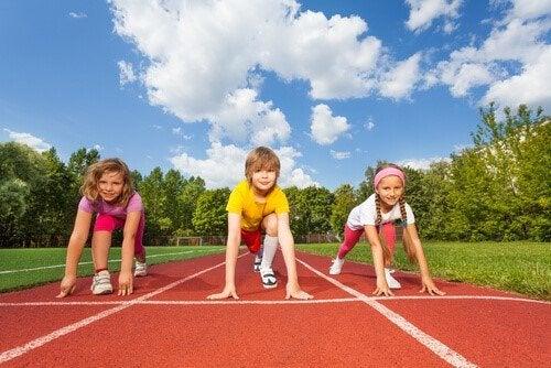 Sporten tijdens de kindertijd: atletiek