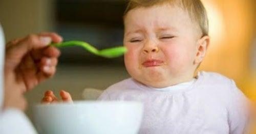 3 redenen waarom je je kinderen niet moet dwingen om te eten