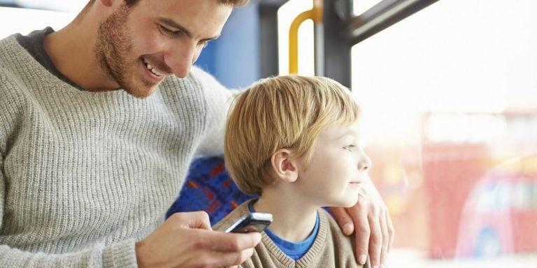 Zoon krijgt geen aandacht door mobiel