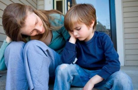 Moeder leert zoon om te redeneren