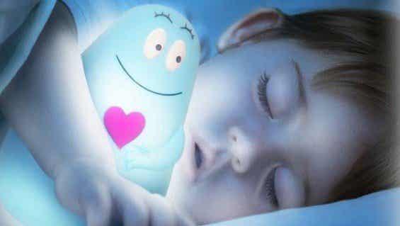Waarom is het beter voor kinderen om in het donker te slapen?
