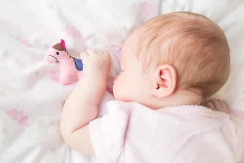Snurken bij kinderen: oorzaken en oplossingen