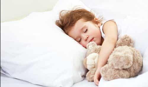 Hoeveel uren slaap heeft je kind nodig op iedere leeftijd?