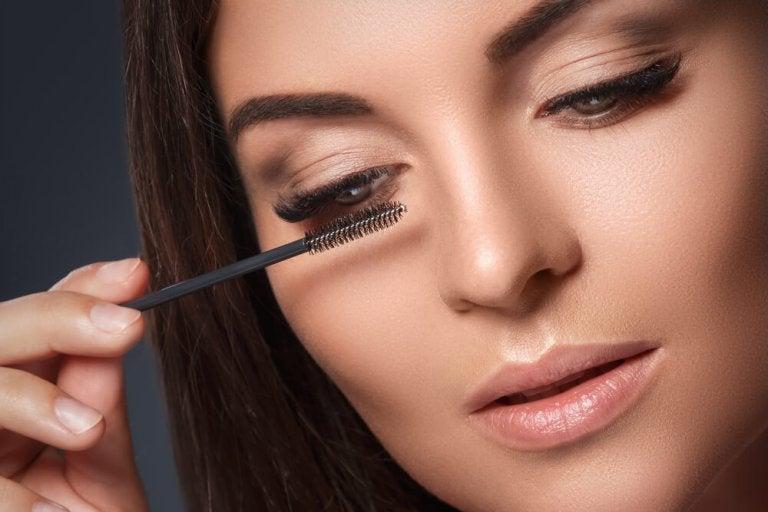 Schoonheidstips voor drukke mama's: oog make-up