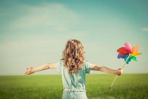 Gelukkige ouders voeden hun kinderen op tot gelukkige kinderen