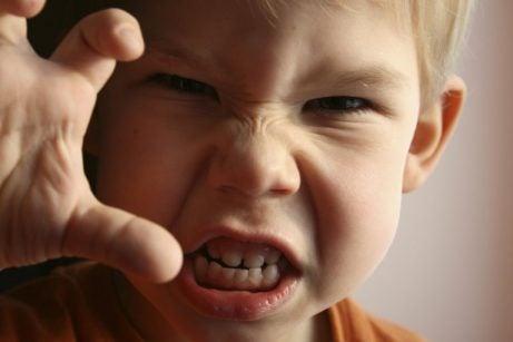 Woede bij kinderen: klauw