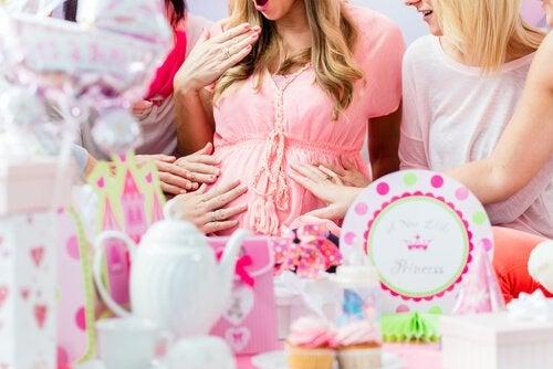 Eten en drinken tijdens de perfecte baby shower