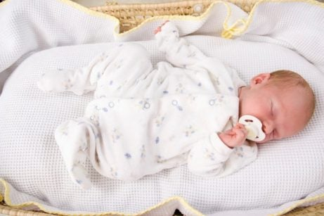 Een routine voor het slapengaan: slapende baby