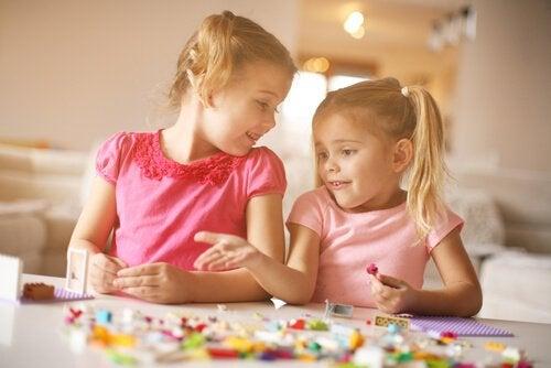 De voordelen van organisatie bij kinderen aanleren