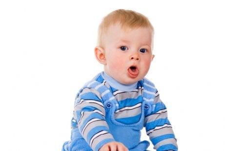 Hoe je slijm bij je baby kunt verwijderen
