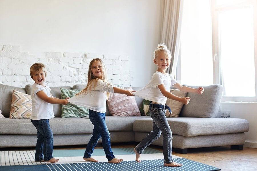 Is het goed om kinderen op blote voeten in huis te laten rondlopen?