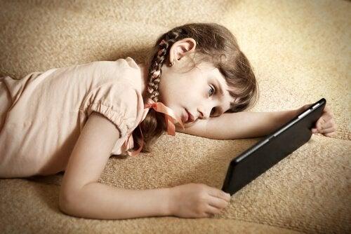 6 tips om luiheid bij kinderen te voorkomen