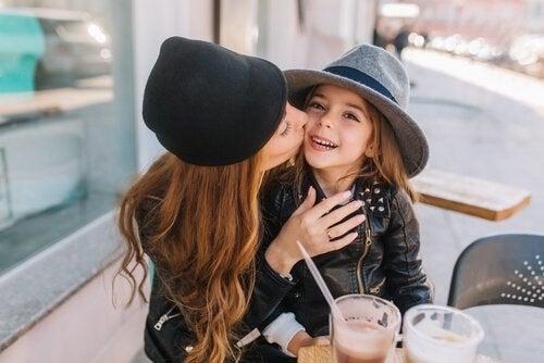Millennial-ouders: moeder en dochter