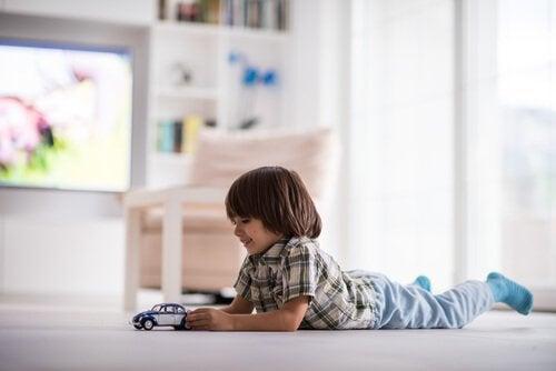 Vanaf welke leeftijd mogen kinderen alleen thuisblijven?