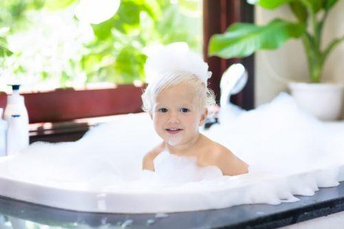 Alleen douchen, vanaf welke leeftijd mag dat?