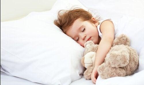 Alleen slapen zonder tranen kan makkelijk zijn