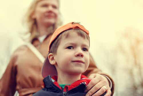 Waarom moet je kinderen niet overbeschermd opvoeden?